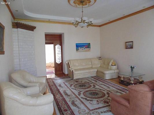 3-комнатная квартира посуточно в Одессе. Приморский район, ул. Дерибасовская, 31. Фото 1