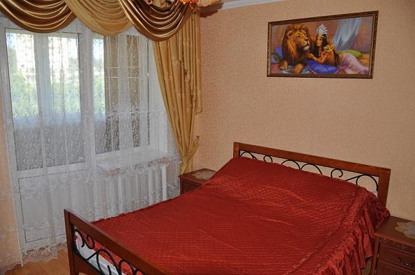 2-комнатная квартира посуточно в Партените. ул. Партенитская, 7. Фото 1
