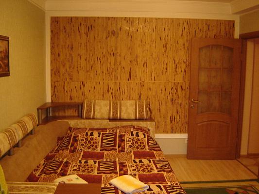 2-комнатная квартира посуточно в Киеве. Днепровский район, ул. Флоренции, 12б. Фото 1