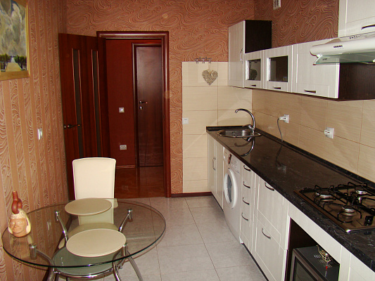 1-комнатная квартира посуточно в Севастополе. Гагаринский район, ул. Корчагина, 60. Фото 1
