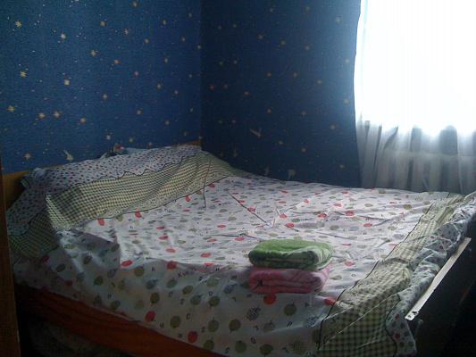 2-комнатная квартира посуточно в Хмельницком. ул. Соборная, 16. Фото 1