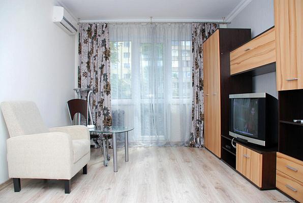 1-комнатная квартира посуточно в Киеве. Печерский район, б-р Леси Украинки, 15А. Фото 1
