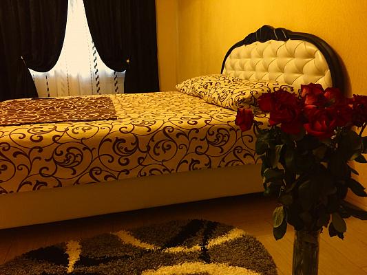1-комнатная квартира посуточно в Запорожье. Жовтневый район, пр-т Соборный, 150б. Фото 1