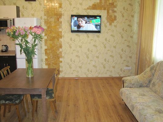 3-комнатная квартира посуточно в Одессе. Приморский район, Жуковского, 34. Фото 1