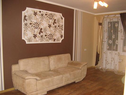 2-комнатная квартира посуточно в Кременчуге. пр-т Свободы, 67. Фото 1
