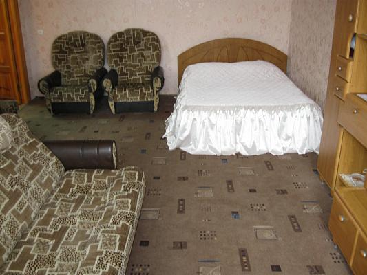 1-комнатная квартира посуточно в Херсоне. Суворовский район, пл. Свободы, 2. Фото 1