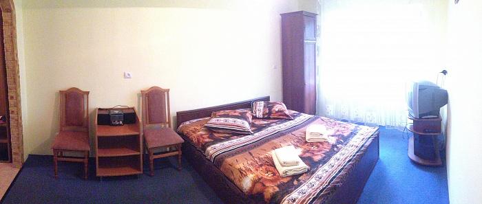 3-комнатная квартира посуточно в Ужгороде. ул. Станционная, 14. Фото 1