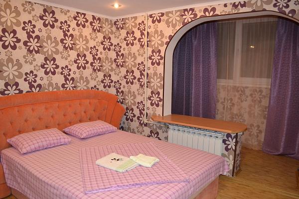 2-комнатная квартира посуточно в Севастополе. Гагаринский район, пр.гер.Сталинграда, 41. Фото 1