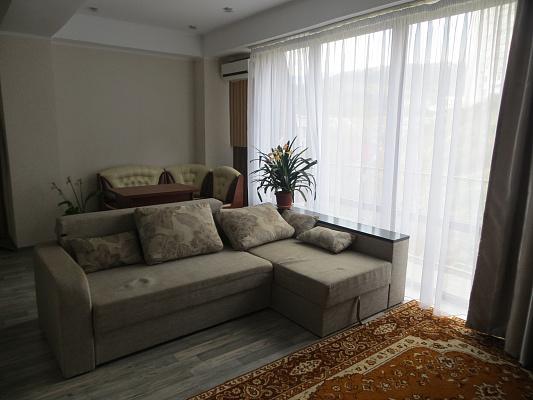 2-комнатная квартира посуточно в Партените. ул.Солнечная, 13А. Фото 1