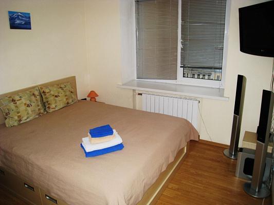 1-комнатная квартира посуточно в Киеве. Печерский район, Крещатик. Фото 1