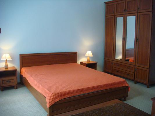 2-комнатная квартира посуточно в Львове. Галицкий район, ул. Венецианова. Фото 1