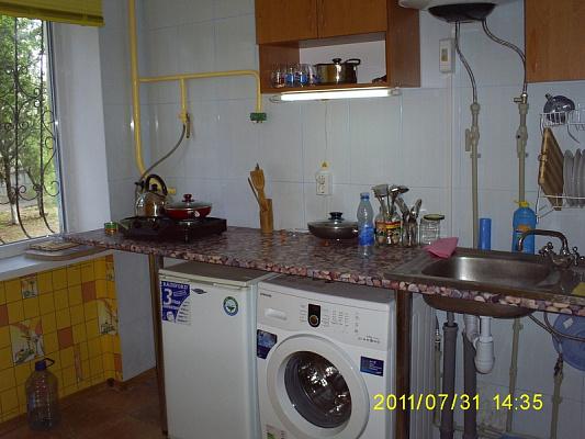 2-комнатная квартира посуточно в Евпатории. пгт Мирный. Фото 1