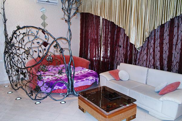 1-комнатная квартира посуточно в Одессе. Приморский район, ул. Ришельевская, 12. Фото 1