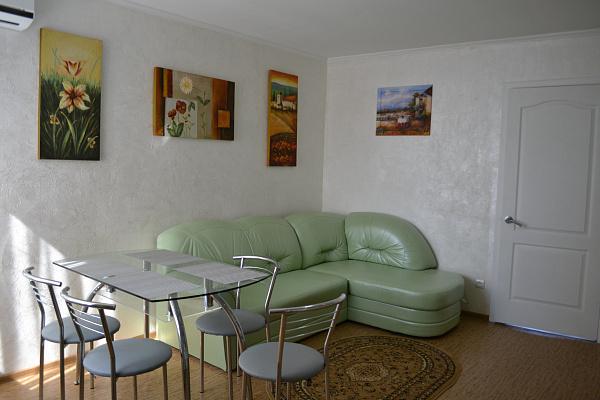 1-комнатная квартира посуточно в Одессе. Приморский район, пер. Вице Адмирала Жукова, 25. Фото 1