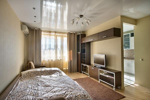 1-комнатная квартира посуточно в Северодонецке. пр гвардейский, 19. Фото 1