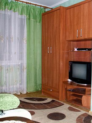 1-комнатная квартира посуточно в Сумах. Ковпаковский район, ул. Холодногорская, 37. Фото 1