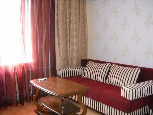 1-комнатная квартира посуточно в Харькове. Дзержинский район, Новгородская ул., 44. Фото 1