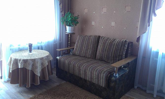 1-комнатная квартира посуточно в Чернигове. Деснянский район, ул. Шевченка, 18. Фото 1