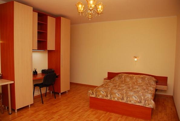 3-комнатная квартира посуточно в Кременчуге. ул. Пролетарская, 27. Фото 1