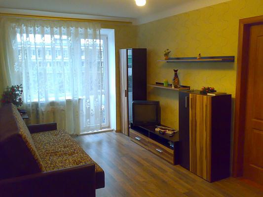 2-комнатная квартира посуточно в Евпатории. пр-т Ленина, 44. Фото 1