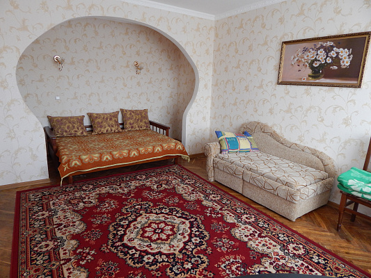 1-комнатная квартира посуточно в Миргороде. улица Ивана Билыка , 3. Фото 1