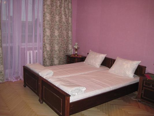 2-комнатная квартира посуточно в Киеве. Соломенский район, ул. Александра Пироговского, 4. Фото 1