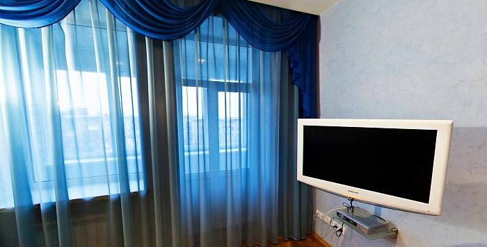 1-комнатная квартира посуточно в Запорожье. Орджоникидзевский район, пр-т Соборный, 170-А. Фото 1