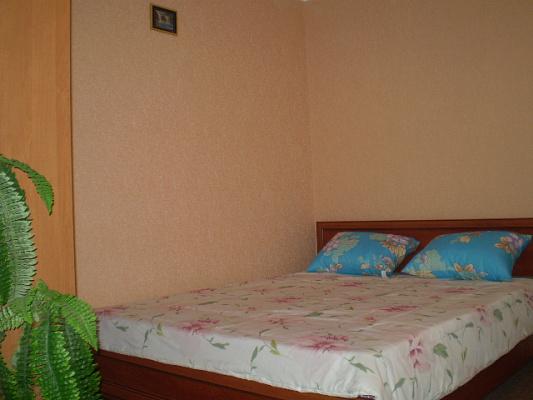 1-комнатная квартира посуточно в Керчи. ул. Еременко, 41. Фото 1