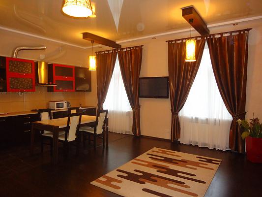 2-комнатная квартира посуточно в Одессе. Приморский район, ул. Канатная, 19. Фото 1