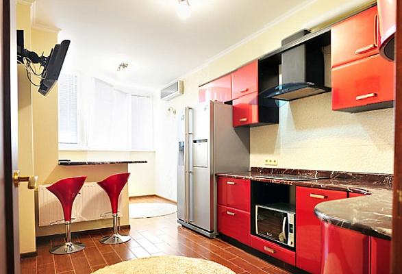 1-комнатная квартира посуточно в Киеве. Деснянский район, ул. Николая Закревского, 95В. Фото 1