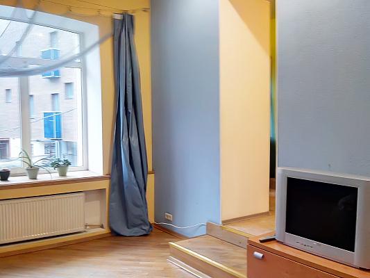 1-комнатная квартира посуточно в Харькове. Киевский район, ул. Максимилиановская, 5. Фото 1