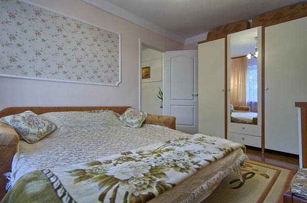 2-комнатная квартира посуточно в Киеве. Печерский район, ул. Александра Копыленко, 3а. Фото 1