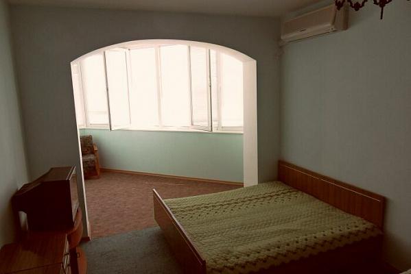 1-комнатная квартира посуточно в Алуште. ул. Набережная, 25. Фото 1