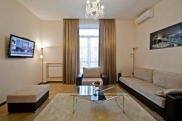 1-комнатная квартира посуточно в Никополе. Никополь, Каштановая, 50, 50. Фото 1