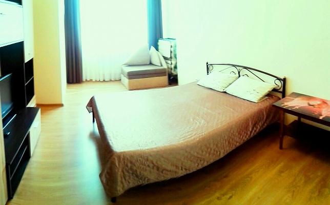 1-комнатная квартира посуточно в Севастополе. Гагаринский район, ул. Челнокова, 12. Фото 1