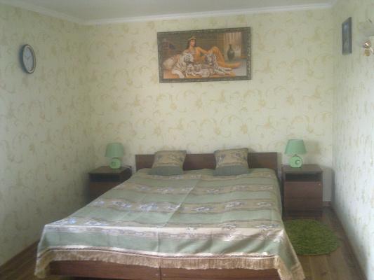 1-комнатная квартира посуточно в Каменце-Подольском. Северная, 75. Фото 1