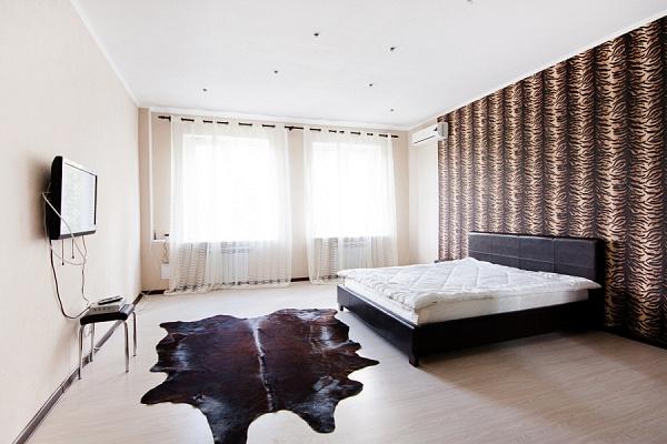 2-комнатная квартира посуточно в Харькове. Дзержинский район, ул. Юры Зойфера, 6. Фото 1