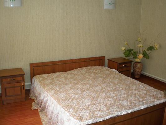 2-комнатная квартира посуточно в Евпатории. ул. Караимская, 12. Фото 1