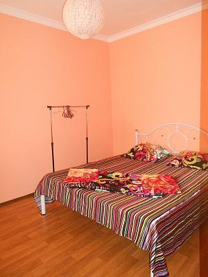 2-комнатная квартира посуточно в Алуште. ул. Урицкого, 4. Фото 1