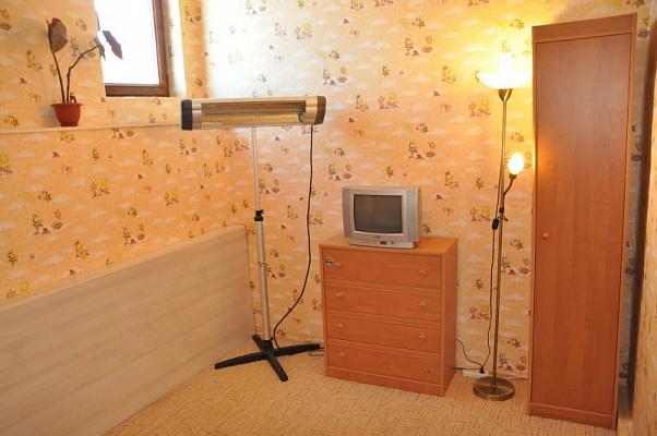 Комната  посуточно в Севастополе. Ленинский район, Киянченко, 60. Фото 1