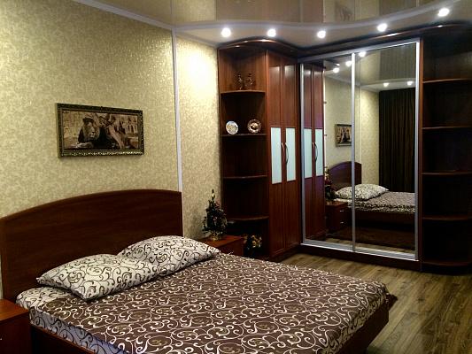 1-комнатная квартира посуточно в Кривом Роге. Саксаганский район, ул. П.Глазового (Балакина), 4-А. Фото 1