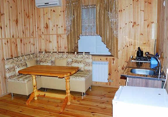 1-комнатная квартира посуточно в Саках. ул. Санаторная, 1б. Фото 1