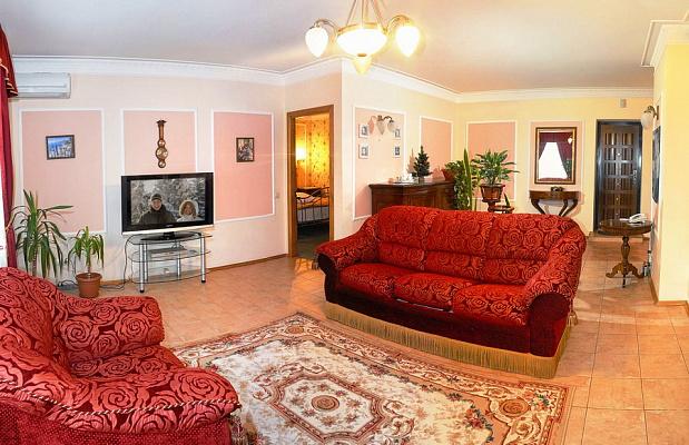 2-комнатная квартира посуточно в Полтаве. Киевский район, ул. Соборности, 50. Фото 1