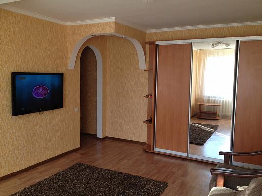 1-комнатная квартира посуточно в Артемовске. ул. Лермонтова, 11. Фото 1