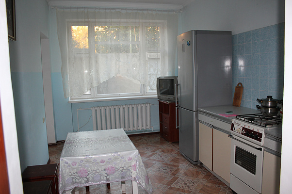 Дом  посуточно в Одессе. Киевский район, ул. Академика Королева, 9. Фото 1