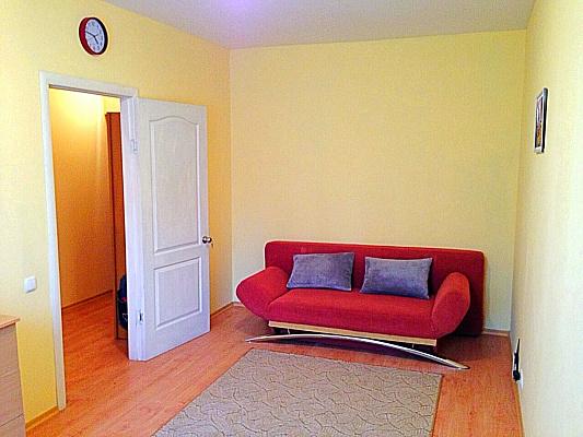 1-комнатная квартира посуточно в Буче. ул. Полтавская, 6. Фото 1