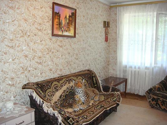 3-комнатная квартира посуточно в Ильичёвске. ул. Данченко, 3а. Фото 1