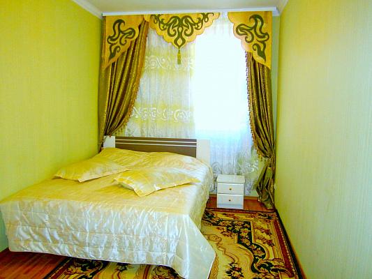 1-комнатная квартира посуточно в Кировограде. Кировский район, ул. Шульгиных, 43. Фото 1