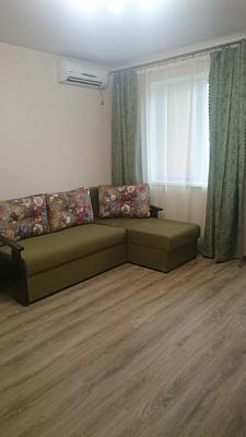 1-комнатная квартира посуточно в Одессе. Киевский район, ул. Рыбачья, 34. Фото 1