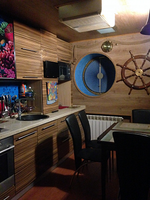 1-комнатная квартира посуточно в Днепропетровске. Кировский район, пр-т Кирова, 96а. Фото 1